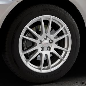 ALUTEC Monstr polar-silber Felge mit Reifen in 18Zoll Winterfelge Alufelge auf silbernem Volvo XC60 Typ D ⬇️ mit 15mm Tieferlegung ⬇️ Industriehalle 1 Thumbnail