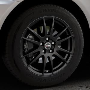 ALUTEC Monstr racing-schwarz Felge mit Reifen in 18Zoll Winterfelge Alufelge auf silbernem Volvo XC60 Typ D ⬇️ mit 15mm Tieferlegung ⬇️ Industriehalle 1 Thumbnail