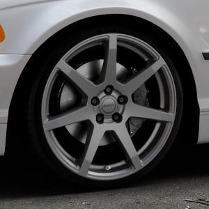 ALUTEC Pearl carbon-grau Felge mit Reifen in 19Zoll Winterfelge Alufelge auf silbernem BMW 316i Typ E46 (Limousine) 318i 320i 323i 328i 325i 330d 330xd 330i 318d 320d 325xi 330xi ⬇️ mit 15mm Tieferlegung ⬇️ Industriehalle 1 Thumbnail