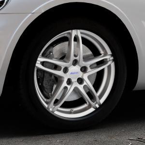 ALUTEC Poison polar-silber Felge mit Reifen in 17Zoll Winterfelge Alufelge auf silbernem Chrysler PT Cruiser Cabriolet ⬇️ mit 15mm Tieferlegung ⬇️ Industriehalle 1 Thumbnail