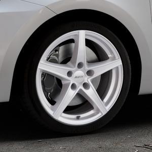 ALUTEC Raptr polar-silber Felge mit Reifen in 17Zoll Winterfelge Alufelge auf silbernem Suzuki Swift VI Typ AZ ⬇️ mit 15mm Tieferlegung ⬇️ Industriehalle 1 Thumbnail