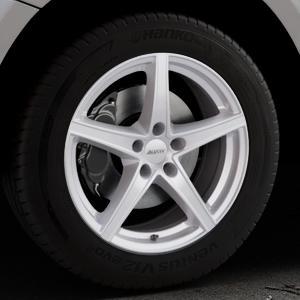 ALUTEC Raptr polar-silber Felge mit Reifen in 18Zoll Winterfelge Alufelge auf silbernem Audi Q5 I Typ 8R ⬇️ mit 15mm Tieferlegung ⬇️ Industriehalle 1 Thumbnail