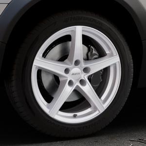 ALUTEC Raptr polar-silber Felge mit Reifen in 18Zoll Winterfelge Alufelge auf silbernem Volvo XC70 II Typ B ⬇️ mit 15mm Tieferlegung ⬇️ Industriehalle 1 Thumbnail