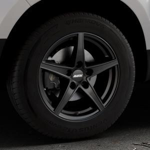 ALUTEC Raptr racing-schwarz Felge mit Reifen in 16Zoll Winterfelge Alufelge auf silbernem Dacia Duster Typ SD ⬇️ mit 15mm Tieferlegung ⬇️ Industriehalle 1 Thumbnail