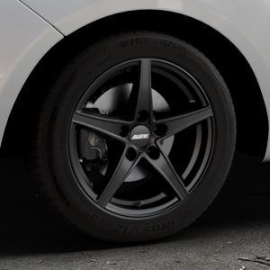 ALUTEC Raptr racing-schwarz Felge mit Reifen in 16Zoll Winterfelge Alufelge auf silbernem Hyundai ix20 Typ JC ⬇️ mit 15mm Tieferlegung ⬇️ Industriehalle 1 Thumbnail