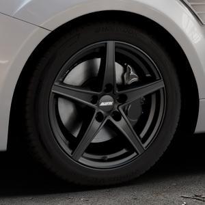 ALUTEC Raptr racing-schwarz Felge mit Reifen in 17Zoll Winterfelge Alufelge auf silbernem Ford Focus II Typ DA3 (Schrägheck) 2,5l RS 224kW (305 PS) RS500 257kW (349 ⬇️ mit 15mm Tieferlegung ⬇️ Industriehalle 1 Thumbnail