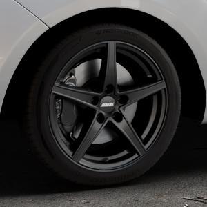 ALUTEC Raptr racing-schwarz Felge mit Reifen in 17Zoll Winterfelge Alufelge auf silbernem Hyundai ix20 Typ JC ⬇️ mit 15mm Tieferlegung ⬇️ Industriehalle 1 Thumbnail