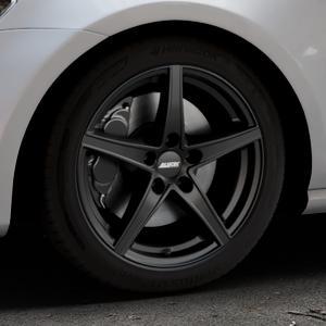 ALUTEC Raptr racing-schwarz Felge mit Reifen in 17Zoll Winterfelge Alufelge auf silbernem Volkswagen (VW) Golf 7 ⬇️ mit 15mm Tieferlegung ⬇️ Industriehalle 1 Thumbnail