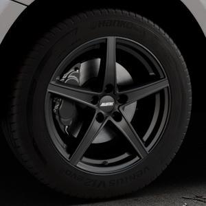 ALUTEC Raptr racing-schwarz Felge mit Reifen in 18Zoll Winterfelge Alufelge auf silbernem Audi Q5 I Typ 8R ⬇️ mit 15mm Tieferlegung ⬇️ Industriehalle 1 Thumbnail