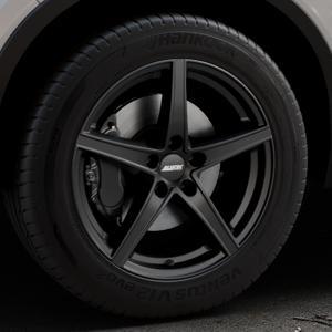 ALUTEC Raptr racing-schwarz Felge mit Reifen in 18Zoll Winterfelge Alufelge auf silbernem Volvo XC40 Typ X ⬇️ mit 15mm Tieferlegung ⬇️ Industriehalle 1 Thumbnail