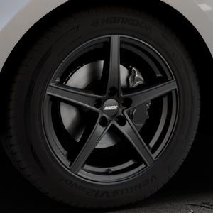 ALUTEC Raptr racing-schwarz Felge mit Reifen in 19Zoll Winterfelge Alufelge auf silbernem Land Rover Range Velar Typ LY ⬇️ mit 15mm Tieferlegung ⬇️ Industriehalle 1 Thumbnail