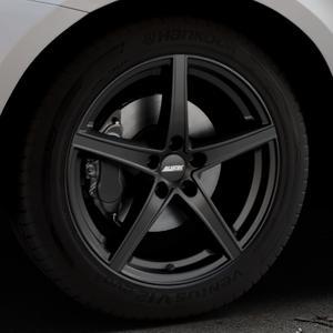 ALUTEC Raptr racing-schwarz Felge mit Reifen in 19Zoll Winterfelge Alufelge auf silbernem Volvo XC60 Typ D Facelift ⬇️ mit 15mm Tieferlegung ⬇️ Industriehalle 1 Thumbnail