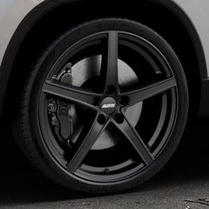 ALUTEC Raptr racing-schwarz Felge mit Reifen in 20Zoll Winterfelge Alufelge auf silbernem Skoda Karoq Typ NU ⬇️ mit 15mm Tieferlegung ⬇️ Industriehalle 1 Thumbnail