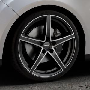 ALUTEC Raptr racing-schwarz frontpoliert Felge mit Reifen silber mehrfarbig in 19Zoll Alufelge auf silbernem Ford Focus III Typ DYB (Turnier) ⬇️ mit 15mm Tieferlegung ⬇️ Industriehalle 1 Thumbnail