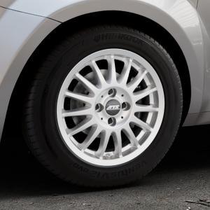 ATS Streetrallye polar-silber Felge mit Reifen in 15Zoll Winterfelge Alufelge auf silbernem Alfa Romeo Mito Typ 955 ⬇️ mit 15mm Tieferlegung ⬇️ Industriehalle 1 Thumbnail