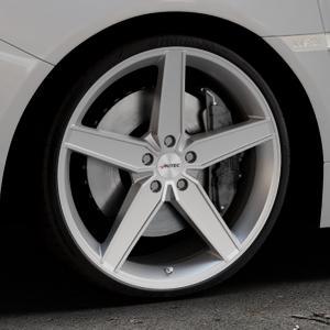 AUTEC Delano Hyper silber Felge mit Reifen in 20Zoll Winterfelge Alufelge auf silbernem Subaru WRX Typ V1 2,5l STI AWD 221kW (300 PS) ⬇️ mit 15mm Tieferlegung ⬇️ Industriehalle 1 Thumbnail