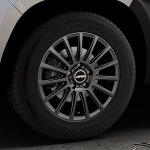 AUTEC Fanatic Schwarz matt Felge mit Reifen in 16Zoll Winterfelge Alufelge auf silbernem Dacia Duster Typ SR ⬇️ mit 15mm Tieferlegung ⬇️ Industriehalle 1 Thumbnail