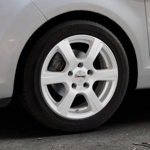 AUTEC Polaric Brillantsilber lackiert Felge mit Reifen in 15Zoll Winterfelge Alufelge auf silbernem Ford Fiesta VI Typ JA8 Facelift ⬇️ mit 15mm Tieferlegung ⬇️ Industriehalle 1 Thumbnail