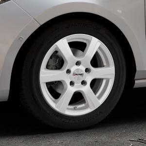 AUTEC Polaric Brillantsilber lackiert Felge mit Reifen in 15Zoll Winterfelge Alufelge auf silbernem Ford Fiesta VII Typ JHH ⬇️ mit 15mm Tieferlegung ⬇️ Industriehalle 1 Thumbnail