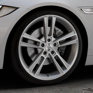 AUTEC Rias Titansilber matt poliert Felge mit Reifen grau in 19Zoll Alufelge auf silbernem Jaguar XE Typ JA ⬇️ mit 15mm Tieferlegung ⬇️ Industriehalle 1 Thumbnail