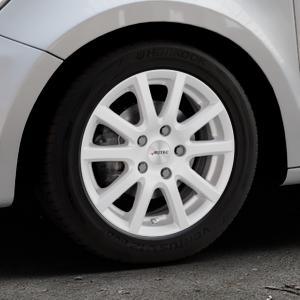 AUTEC Skandic Brillantsilber lackiert Felge mit Reifen in 15Zoll Winterfelge Alufelge auf silbernem Audi A1 Typ 8X (Sportback) ⬇️ mit 15mm Tieferlegung ⬇️ Industriehalle 1 Thumbnail