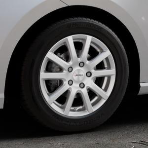 AUTEC Skandic Brillantsilber lackiert Felge mit Reifen in 15Zoll Winterfelge Alufelge auf silbernem Seat Ibiza V Typ KJ ⬇️ mit 15mm Tieferlegung ⬇️ Industriehalle 1 Thumbnail