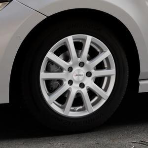 AUTEC Skandic Brillantsilber lackiert Felge mit Reifen in 15Zoll Winterfelge Alufelge auf silbernem Volkswagen (VW) Polo VI Typ AW ⬇️ mit 15mm Tieferlegung ⬇️ Industriehalle 1 Thumbnail