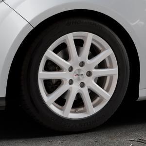 AUTEC Skandic Brillantsilber lackiert Felge mit Reifen in 16Zoll Winterfelge Alufelge auf silbernem Ford Focus III Typ DYB (Schrägheck) (Stufenheck) Facelift ⬇️ mit 15mm Tieferlegung ⬇️ Industriehalle 1 Thumbnail