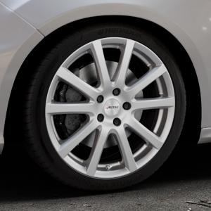 AUTEC Skandic Brillantsilber lackiert Felge mit Reifen in 18Zoll Winterfelge Alufelge auf silbernem Ford Focus III Typ DYB Facelift (Schrägheck) 2,3l EcoBoost 257kW RS (349 PS) ⬇️ mit 15mm Tieferlegung ⬇️ Industriehalle 1 Thumbnail