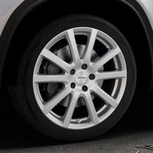 AUTEC Skandic Brillantsilber lackiert Felge mit Reifen in 18Zoll Winterfelge Alufelge auf silbernem Suzuki Vitara Typ LY ⬇️ mit 15mm Tieferlegung ⬇️ Industriehalle 1 Thumbnail