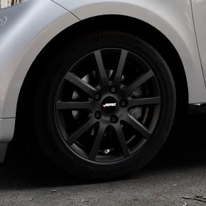 AUTEC Skandic Schwarz matt Felge mit Reifen in 15Zoll Winterfelge Alufelge auf silbernem Smart Forfour II (453) ⬇️ mit 15mm Tieferlegung ⬇️ Industriehalle 1 Thumbnail