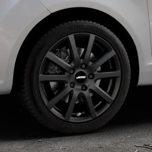 AUTEC Skandic Schwarz matt Felge mit Reifen in 16Zoll Winterfelge Alufelge auf silbernem Ford Fiesta VI Typ JA8 ⬇️ mit 15mm Tieferlegung ⬇️ Industriehalle 1 Thumbnail