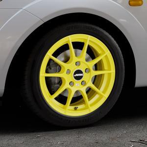 AUTEC Wizard Atomic Yellow Felge mit Reifen gelb in 15Zoll Winterfelge Alufelge auf silbernem Ford Fiesta V Typ JH1/JD3 ⬇️ mit 15mm Tieferlegung ⬇️ Industriehalle 1 Thumbnail