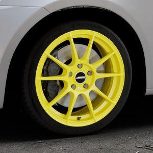 AUTEC Wizard Atomic Yellow Felge mit Reifen gelb in 17Zoll Winterfelge Alufelge auf silbernem Suzuki Swift V Typ NZ FZ ⬇️ mit 15mm Tieferlegung ⬇️ Industriehalle 1 Thumbnail