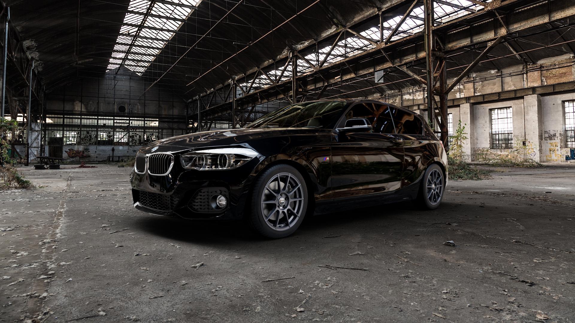 AUTEC Wizard Gunmetal matt Felge mit Reifen grau in 17Zoll Winterfelge Alufelge auf schwarzem BMW 1 M135i Typ F20 F21 xDrive M140i Facelift ⬇️ mit 15mm Tieferlegung ⬇️ Industriehalle 1 Camera_000