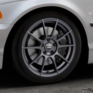 AUTEC Wizard Gunmetal matt Felge mit Reifen grau in 17Zoll Winterfelge Alufelge auf silbernem BMW 316i Typ E46 (Limousine) 318i 320i 323i 328i 325i 330d 330xd 330i 318d 320d 325xi 330xi ⬇️ mit 15mm Tieferlegung ⬇️ Industriehalle 1 Thumbnail
