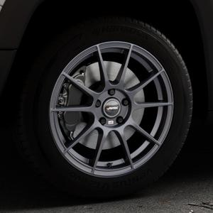 AUTEC Wizard Gunmetal matt Felge mit Reifen grau in 17Zoll Winterfelge Alufelge auf silbernem Jeep Renegade Typ BU ⬇️ mit 15mm Tieferlegung ⬇️ Industriehalle 1 Thumbnail