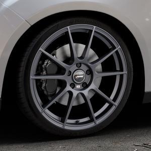 AUTEC Wizard Gunmetal matt Felge mit Reifen grau in 19Zoll Winterfelge Alufelge auf silbernem Ford Focus III Typ DYB Facelift (Schrägheck) ⬇️ mit 15mm Tieferlegung ⬇️ Industriehalle 1 Thumbnail