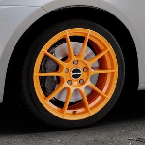 AUTEC Wizard Racing orange Felge mit Reifen in 17Zoll Winterfelge Alufelge auf silbernem Suzuki Swift V Typ NZ FZ ⬇️ mit 15mm Tieferlegung ⬇️ Industriehalle 1 Thumbnail