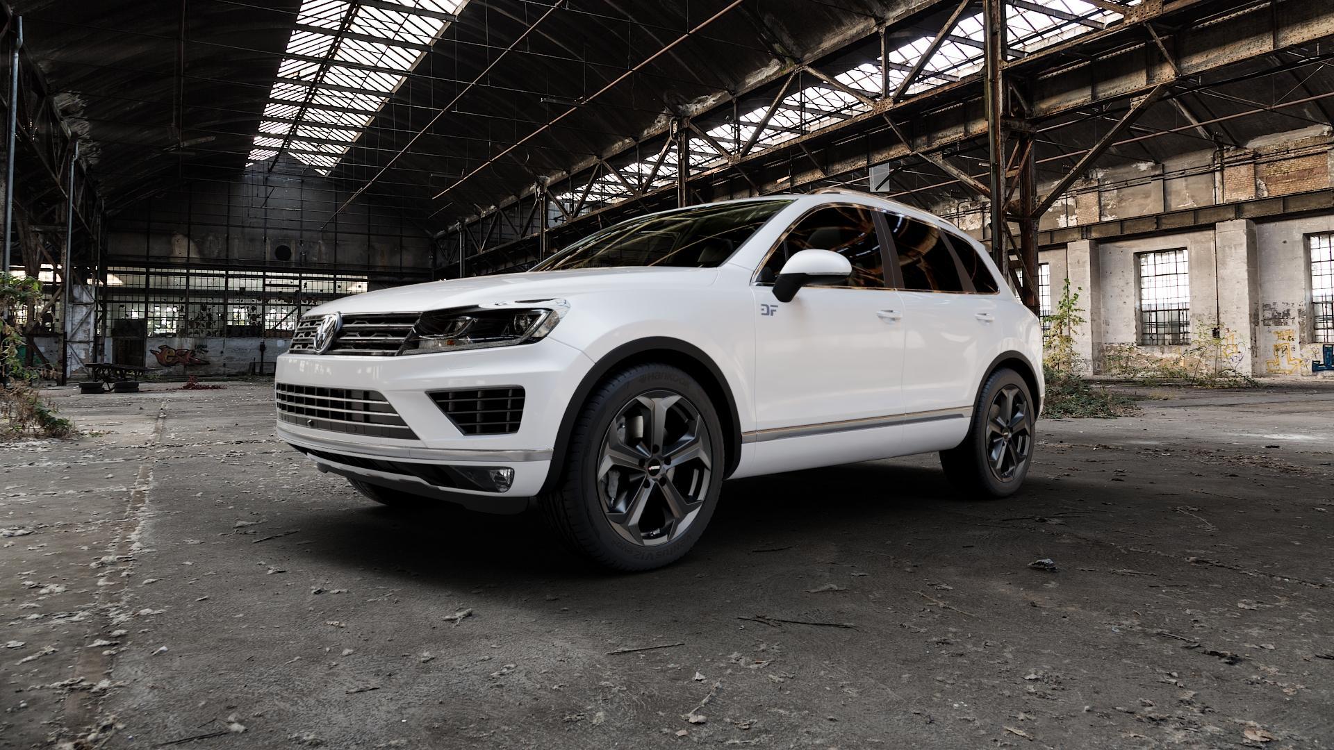 AUTEC Xenos Schwarz matt Felge mit Reifen in 20Zoll Winterfelge Alufelge auf weissem Volkswagen (VW) Touareg II Typ 7P Facelift ⬇️ mit 15mm Tieferlegung ⬇️ Industriehalle 1 Camera_000