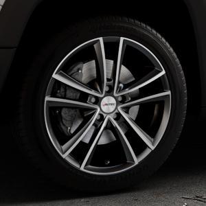 AUTEC Yucon Schwarz poliert Felge mit Reifen mehrfarbig in 18Zoll Alufelge auf silbernem Jeep Renegade Typ BU ⬇️ mit 15mm Tieferlegung ⬇️ Industriehalle 1 Thumbnail