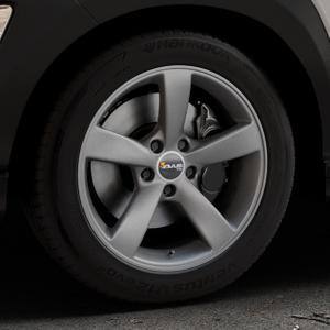 AVUS Racing AF10 MATT ANTHRACITE Felge mit Reifen grau anthrazit in 17Zoll Winterfelge Alufelge auf silbernem Hyundai Kona Typ OS ⬇️ mit 15mm Tieferlegung ⬇️ Industriehalle 1 Thumbnail