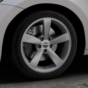 AVUS Racing AF10 MATT ANTHRACITE Felge mit Reifen grau anthrazit in 17Zoll Winterfelge Alufelge auf silbernem Volkswagen (VW) Touran III Typ 1T (15->) ⬇️ mit 15mm Tieferlegung ⬇️ Industriehalle 1 Thumbnail