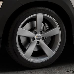 AVUS Racing AF10 MATT ANTHRACITE Felge mit Reifen grau anthrazit in 18Zoll Winterfelge Alufelge auf silbernem Hyundai Kona Typ OS ⬇️ mit 15mm Tieferlegung ⬇️ Industriehalle 1 Thumbnail