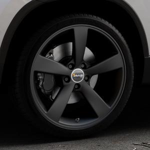 AVUS Racing AF10 MATT BLACK Felge mit Reifen schwarz in 19Zoll Winterfelge Alufelge auf silbernem Skoda Karoq Typ NU ⬇️ mit 15mm Tieferlegung ⬇️ Industriehalle 1 Thumbnail