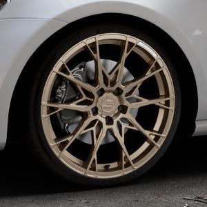 B52-Wheels X1 Bronze matt full painted Felge mit Reifen in 19Zoll Winterfelge Alufelge auf silbernem Volkswagen (VW) Golf 7 ⬇️ mit 15mm Tieferlegung ⬇️ Industriehalle 1 Thumbnail