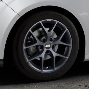 BBS SR himalaya-grau matt Felge mit Reifen in 16Zoll Winterfelge Alufelge auf silbernem Ford Focus III Typ DYB (Schrägheck) (Stufenheck) Facelift ⬇️ mit 15mm Tieferlegung ⬇️ Industriehalle 1 Thumbnail