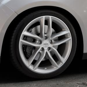 BBS SX brillantsilber Felge mit Reifen in 18Zoll Winterfelge Alufelge auf silbernem Ford Focus III Typ DYB Facelift (Schrägheck) ⬇️ mit 15mm Tieferlegung ⬇️ Industriehalle 1 Thumbnail