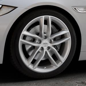 BBS SX brillantsilber Felge mit Reifen in 18Zoll Winterfelge Alufelge auf silbernem Jaguar XE Typ JA ⬇️ mit 15mm Tieferlegung ⬇️ Industriehalle 1 Thumbnail