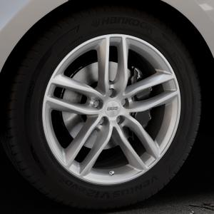 BBS SX brillantsilber Felge mit Reifen in 19Zoll Winterfelge Alufelge auf silbernem Land Rover Range Velar Typ LY ⬇️ mit 15mm Tieferlegung ⬇️ Industriehalle 1 Thumbnail